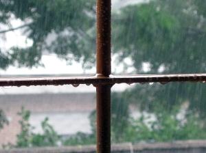 Mientras veo llover por la ventana