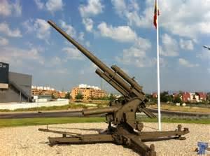 Esto es un cañón antiaéreo, de los que dan menos miedo